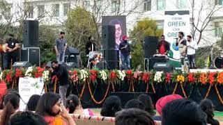 Mankirt aulakh👦 live performance in CGC mohali CHANDIGARH... 👦