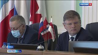 Омские депутаты официально закрепили за горожанами обязанность носить маски в общественном транспорте