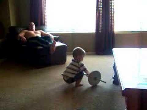 Најсилното 1-годишно детенце