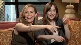 """Dakota Johnson and Leslie Mann Hit On """"Hot"""" Reporter"""