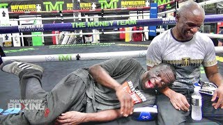 Jeff Mayweather can't stop making fun of Floyd Mayweather getting dropped in sparring