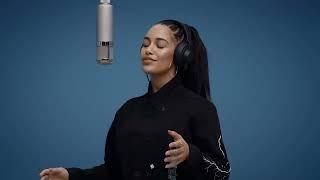 jorja-smith-blue-lights-a-colors-show.jpg