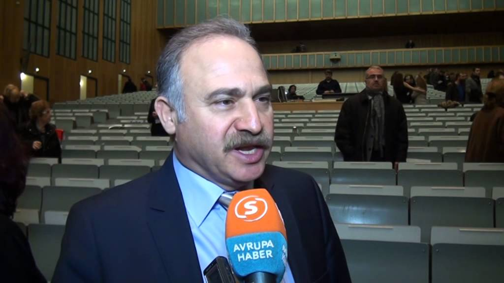 """""""Türkiye bir diktatörlük döneminin son aşamasına geçmek üzere"""""""