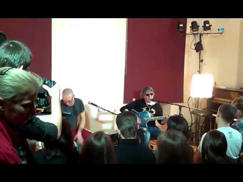 Иван Демьян (Группа 7Б) - Летим с войны (Акустика, Питер, Арт-Салон на Невском)