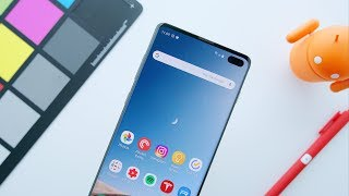 The Galaxy S10's Incredible Display!