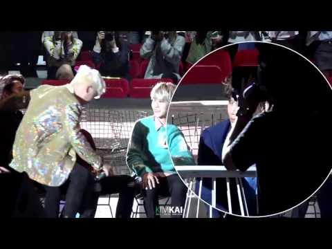 [FANCAM] 151202 MAMA exo kai focus when seungri sat on sehun's legs