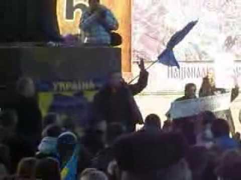 Виступ Назара Горука на чернівецькому Євромайдані (01.12.2013)