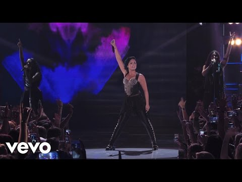 Baixar Demi Lovato - Heart Attack (Vevo Certified SuperFanFest) presented by Honda Stage