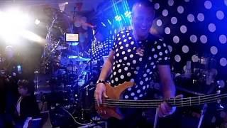 Bekijk video 4 van Blind DATE op YouTube