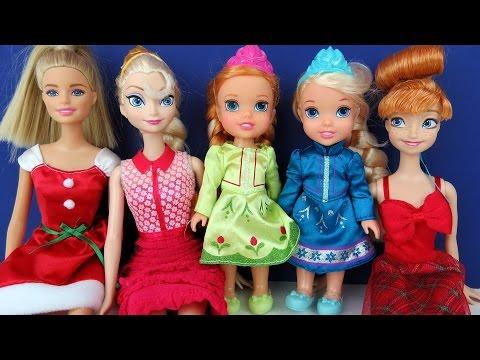 CHRISTMAS Celebration ! Elsa & Anna toddlers - Singing Carols - Playing