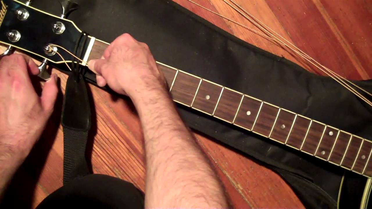 how to put new strings on an acoustic bass guitar and tune it youtube. Black Bedroom Furniture Sets. Home Design Ideas