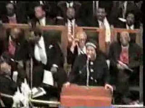 Aretha Franklin Dr. Clark Tribute - YouTube