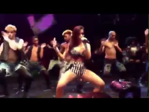 Baixar MC Anitta - Show das Poderosas Com Bailarinos (( Vídeo Clipe ))