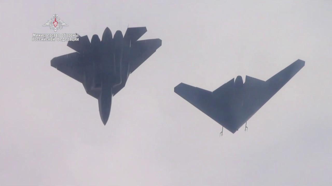 Первый совместный полет БЛА «Охотник» и истребителя Су-57