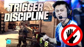 CS:GO - WHEN PROS HOLD THEIR TRIGGER! (PATIENT & SMART PLAYS)