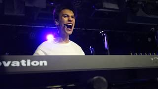 "Jacob Collier ""Don't You Know"" live in Detroit, 4 March 2019"