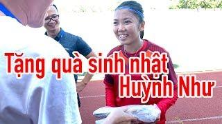 Sinh nhật đội trưởng Huỳnh Như - món quà bất ngờ từ Việt Nam