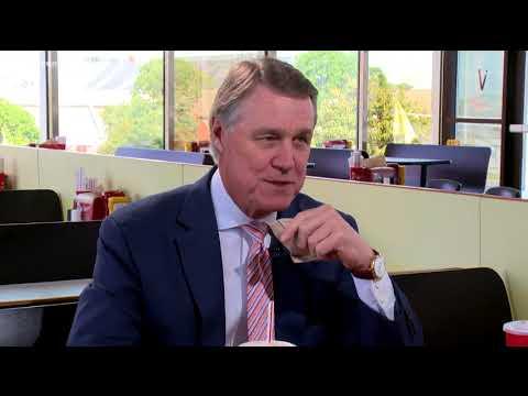 Ga. Senator David Perdue talks politics over The Varsity chili dogs