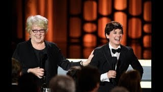 Kimberly Peirce and Kate Amend honor Agnès Varda at the 2017 Governors Awards
