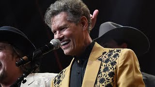 Randy Travis Sings 'Amazing Grace' at Country Hall of Fame Induction