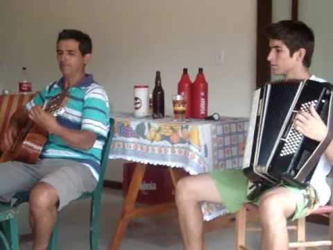 Baixar Velho Casarão - Antônio (violão) e Leonardo (acordeon) - Alto Uruguai, RS