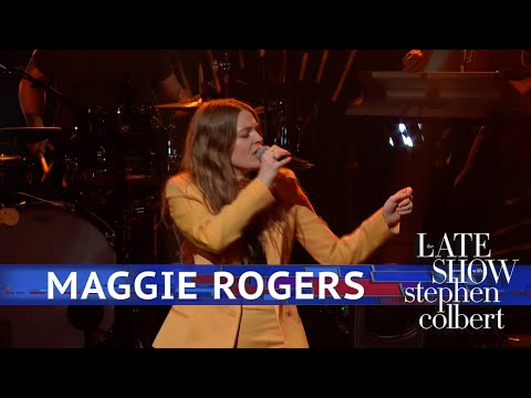 Maggie Rogers Performs 'Burning'