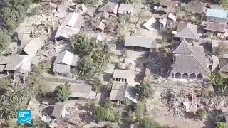 صور من الدمار الذي خلفه زلزال إندونيسيا     -