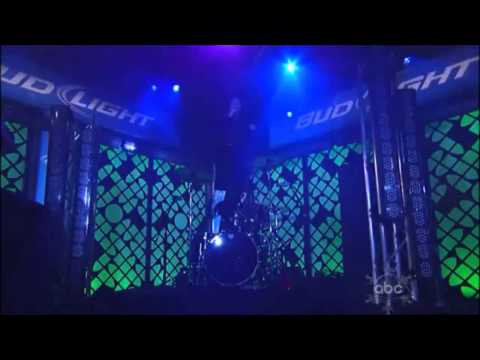 Crystal Castles - Baptism & Intimate Live at Jimmy Kimmel
