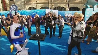 Fun from the'Finding Dory'Blue Carpet