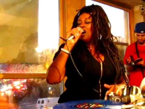 Caron Wheeler- Back To Life (However Do You Want Me) @ Fat Beats, NYC (The Final Day)