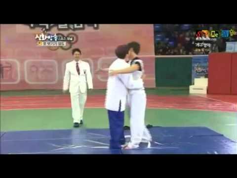 Shinhwa kisses Maknae Andy