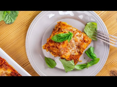 How To Make Lasagna By Valerie Bertinelli (+ Her Mom!)