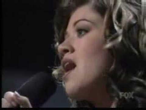 American Idol Season 1 Finale - Kelly Clarkson Wins