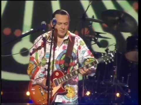 Игорь Саруханов - Парень с гитарой