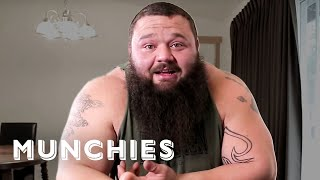 Strongman Robert Oberst Responds to Your YouTube Comments