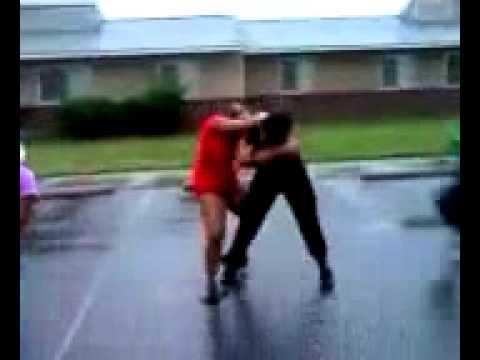 Ghetto fights @ThatBoyFromNoWhere - YouTube