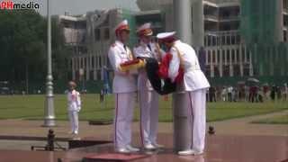 Lễ treo cờ rủ Quốc tang Đại tướng Võ Nguyên Giáp 12h Ngày11/10/2013