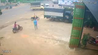[Biến căng] tai nạn chiều qua tại đường Lê Duẩn Pleiku may mà người không sao