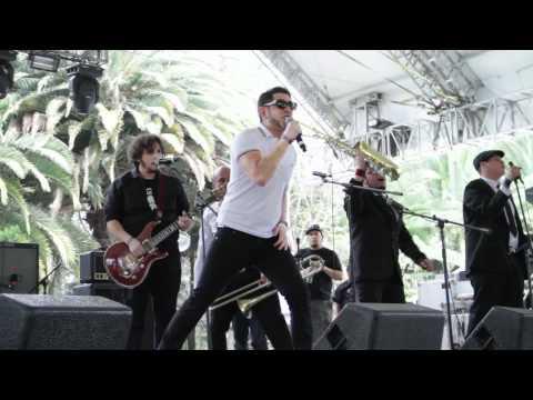 Vive Latino 2012-Presentación-Los Kung Fu Monkeys-Rola 1