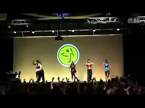 美国Zumba大会健身舞蹈 最炫民族风--凤凰传奇.flv_(360p).flv