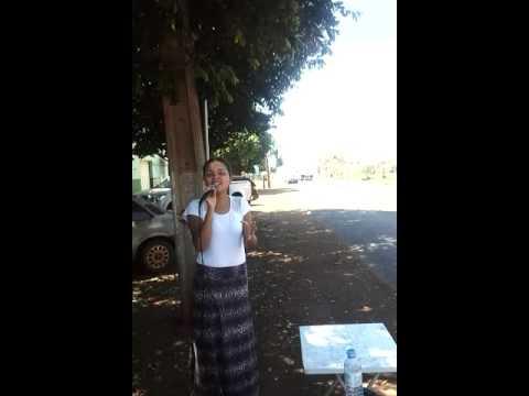 Ana Caroline no centro de Campo Florido -MG