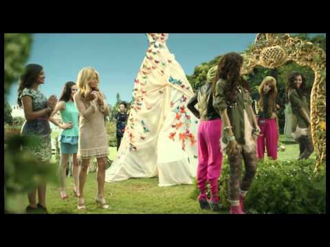 Shake it Up - 'Fashion is my Kryptonite' - Music Video