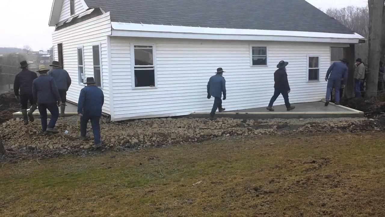 80 Mormons installent une maison