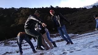 Auli Tracking enjoy with friends