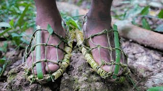 Primitive Technology,  Make sandals from vine and bamboo