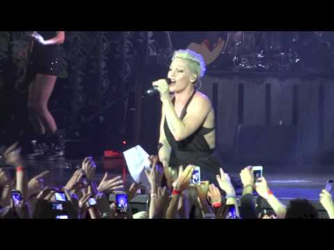 Baixar Pink - Just give me a Reason - live Olympiahalle München 19.05.2013 - HD