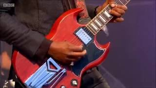Amazing Performance by Gary Clark Jr. - When My Train Pulls In