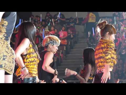 f(x) @KCON 2013 Intro + Hot Summer  *Amber focus*