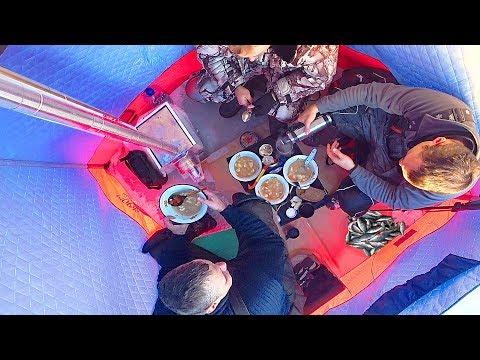 ЗИМНЯЯ РЫБАЛКА -30 С КОМФОРТОМ КАК В БАНЕ !!! Бешеный клёв по первому льду на озере |  СИБИРИЯ
