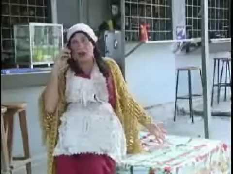 la tenchis se cae de la mesa